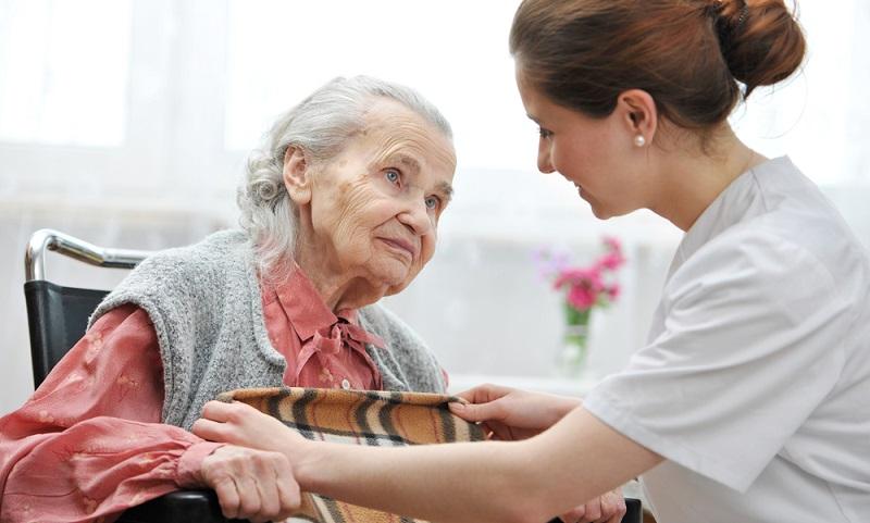 Wird die polnische Pflegekraft über eine Agentur gesucht, dauert es rund fünf bis sieben Tage, bis sie vor Ort ist.  ( Foto: Shutterstock-_Alexander Raths)