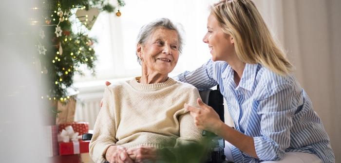 Verhinderungspflege: Alles zu Voraussetzungen, zur Beantragung und Hilfe durch polnische Pflegekräfte ( Foto: Shutterstock- Halfpoint_)